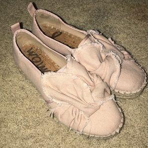 Women's slip on shoes
